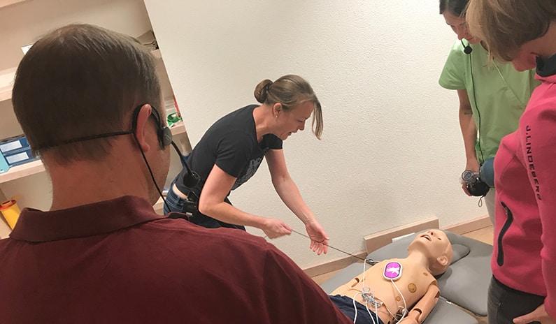 defibrillator richtig anwenden