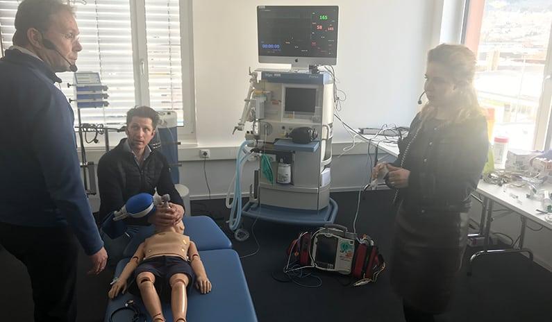 halbautomatischer Defibrillator