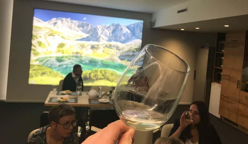 Wein- Ginverkostung in unserem Schulungszentrum in Hall in Tirol