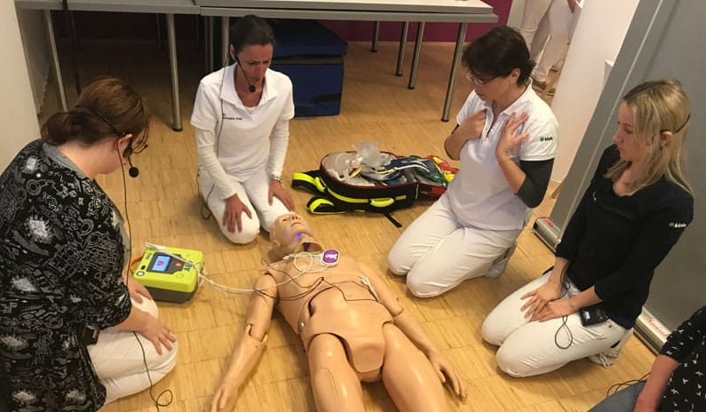 Reanimation Simulation AED