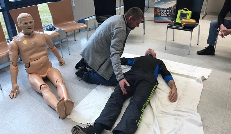 notfalltraining defibrillatorschulung