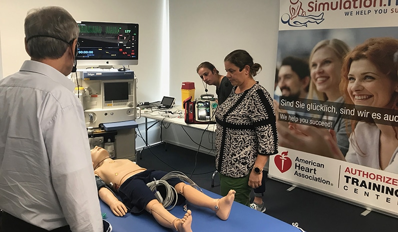defibrillator schock abgeben beim kind