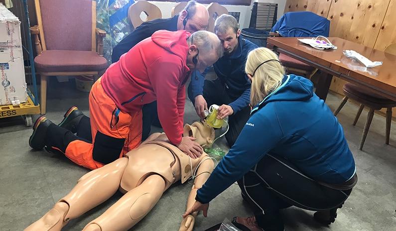 2. Tag in der Schweiz – Wir trainieren das Rettungspersonal der Bergbahnen Samnaun