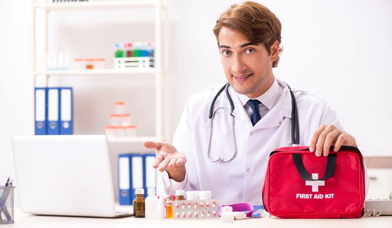 Diese 10 Geräte & Medikamente sollte jede Arztpraxis für den Notfall haben!