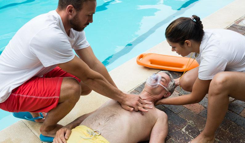 Badesaison eröffnet – sei vorbereitet auf Ertinkungsnotfälle!